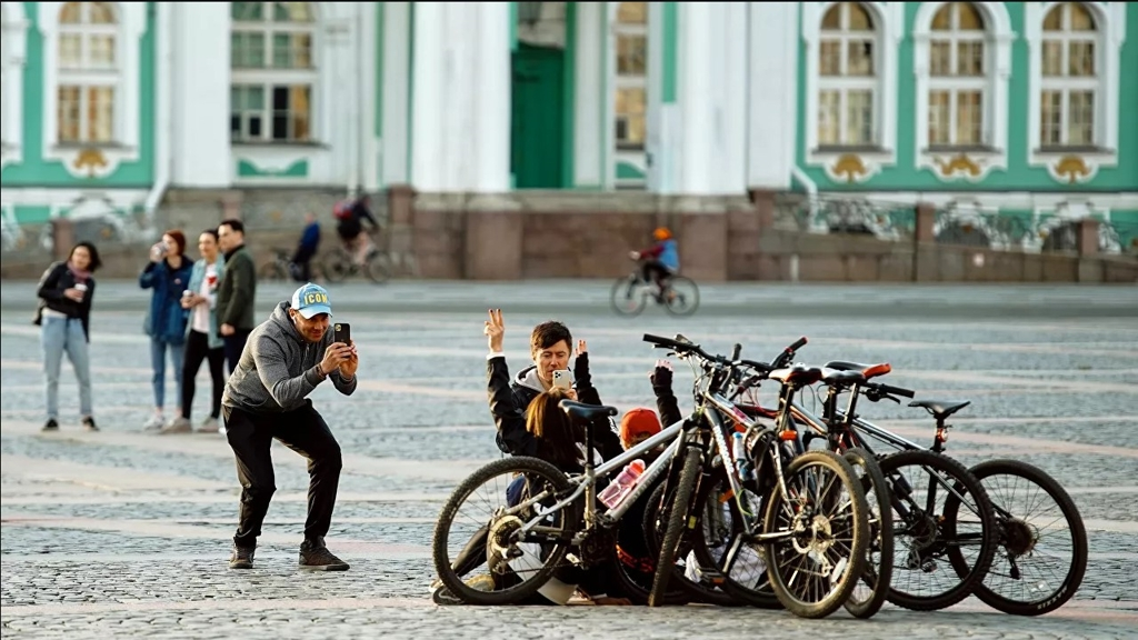 Как жители планеты празднуют Всемирный день велосипеда