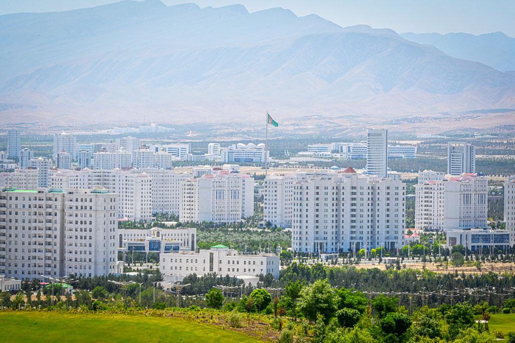 Президент Туркменистана распорядился принять дополнительные меры безопасности в связи с жаркой погодой
