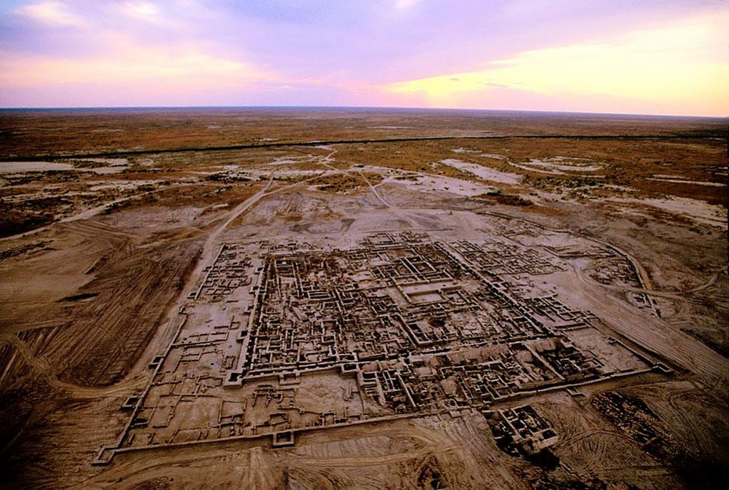 Туркменистанский очаг древневосточной цивилизации в песках Каракумов