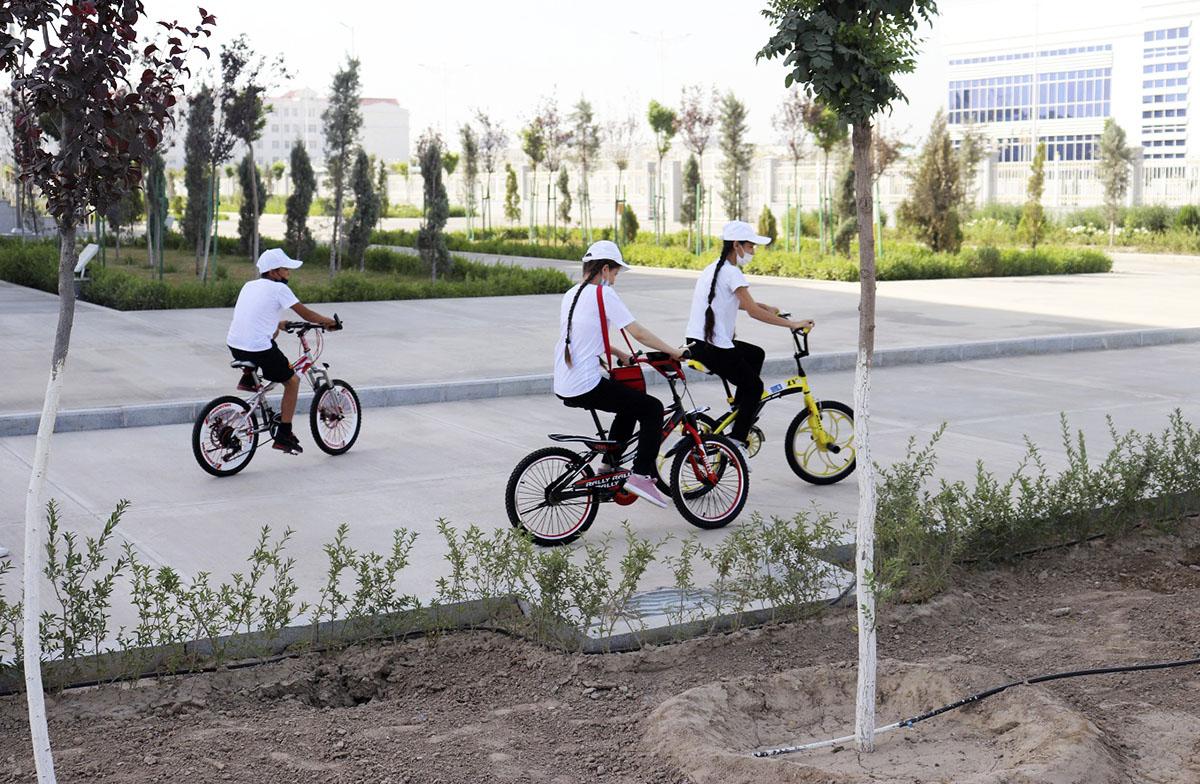 Экоакции от ПРООН – для ашхабадских школьников