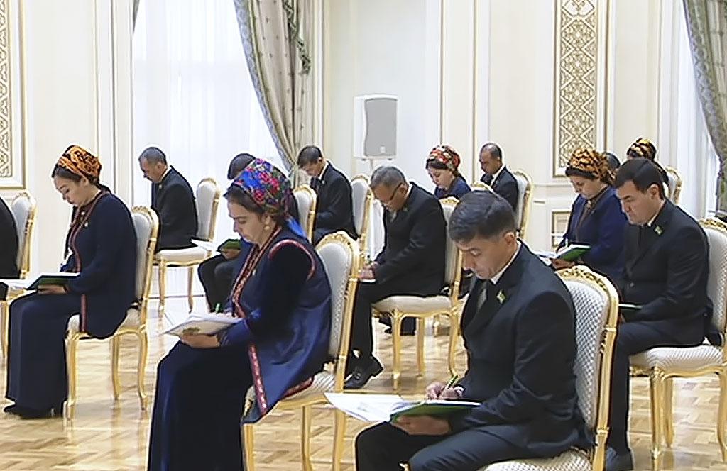 Верхняя палата туркменского парламента одобрила ряд новых законов