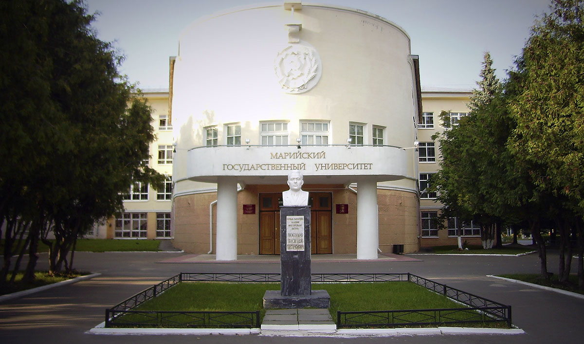 Генконсул Туркменистана в РФ навестил туркменских студентов в Йошкар-Оле