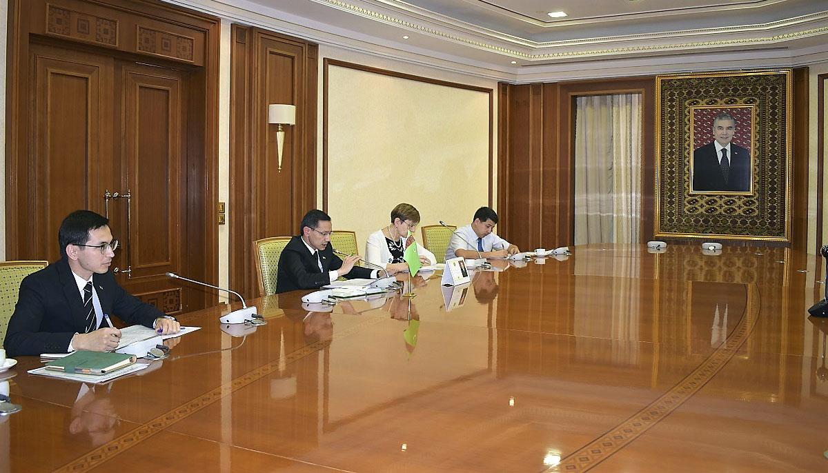 Туркменистан и Таджикистан обсудили повестку торгово-экономического взаимодействия