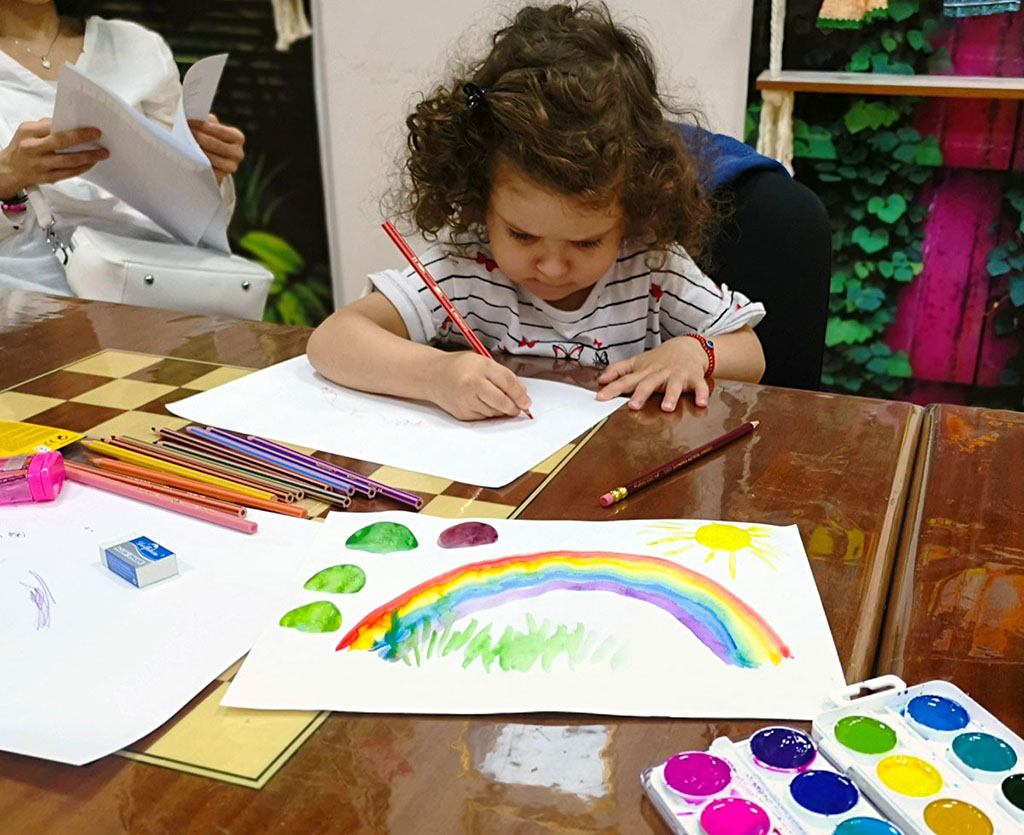 Ашхабадский Дворец детства и юношества ведет набор в кружки по 26 направлениям