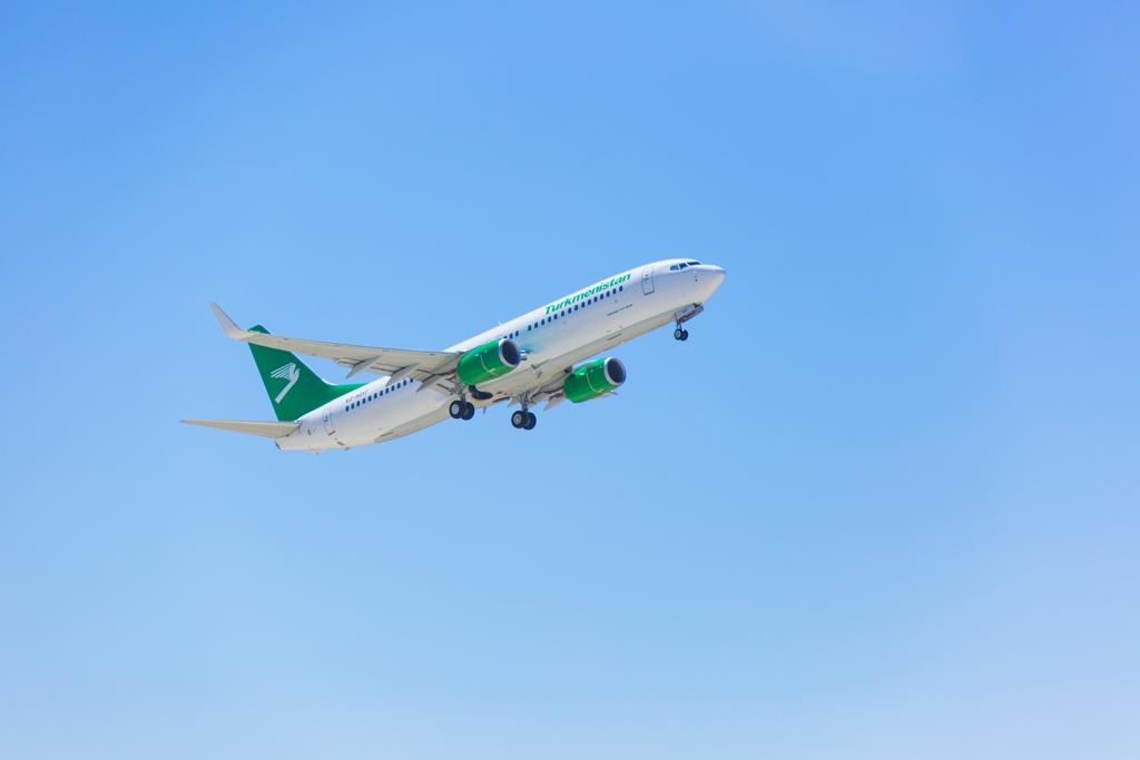 Рассмотрен вопрос возобновления авиарейсов между Туркменистаном и Узбекистаном