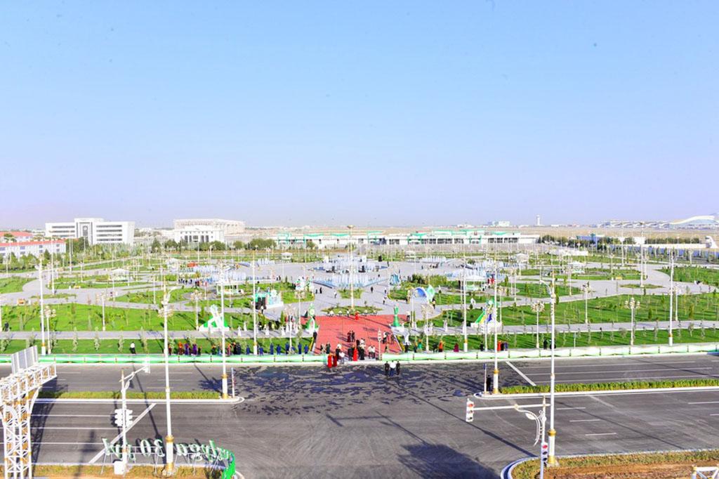 В Ашхабаде торжественно открыли новый сквер «Лачин»