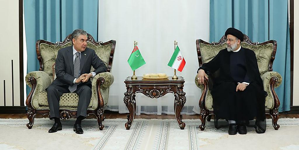 Президенты Туркменистана и Ирана провели двустороннюю встречу в Душанбе
