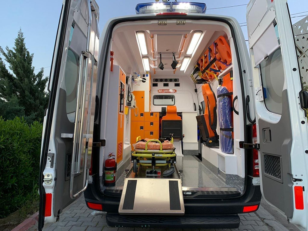 Reserve Fund of the President of Turkmenistan donated 10 Mercedes ambulances to the Ministry of Health