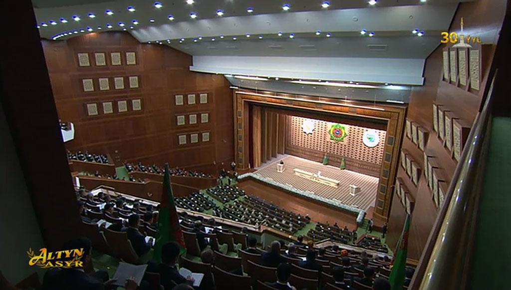Президент Туркменистана - о поддержке частного сектора экономики
