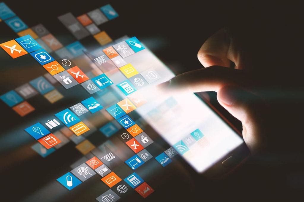 Эксперты: необходимо избрать новый путь управления цифровыми технологиями и данными