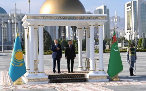 Токаев: Казахстан рассчитывает на развитие партнерства с Туркменистаном